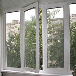 Балкон с распашными окнами..